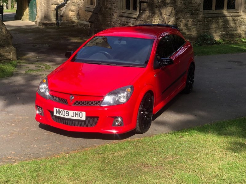 View VAUXHALL ASTRA 2.0T 240 VXR Racing