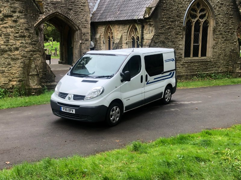 View RENAULT TRAFIC  SL 27 DCI 115